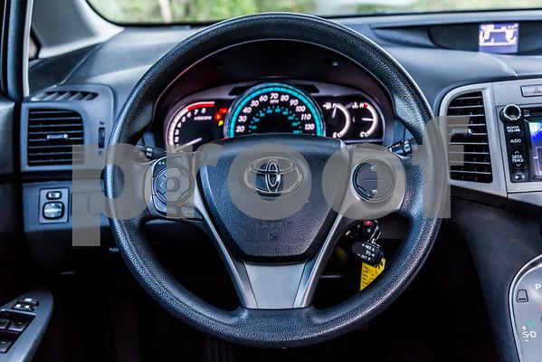 ToyotaVenzaLE_Black_7UTC490-40