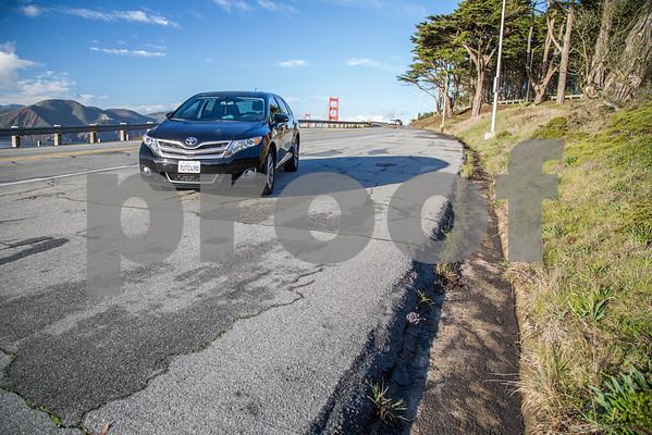 ToyotaVenzaLE_Black_7UTC490-17