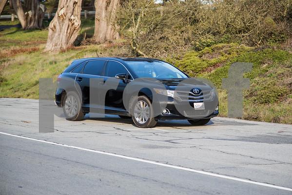ToyotaVenzaLE_Black_7UTC490-9