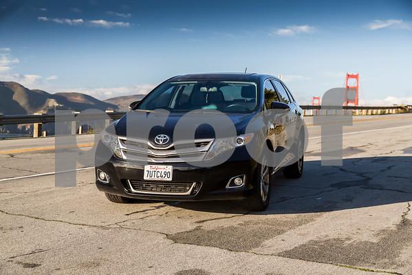 ToyotaVenzaLE_Black_7UTC490-16