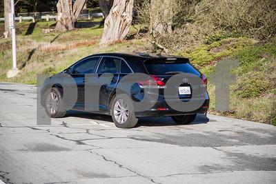 ToyotaVenzaLE_Black_7UTC490-6