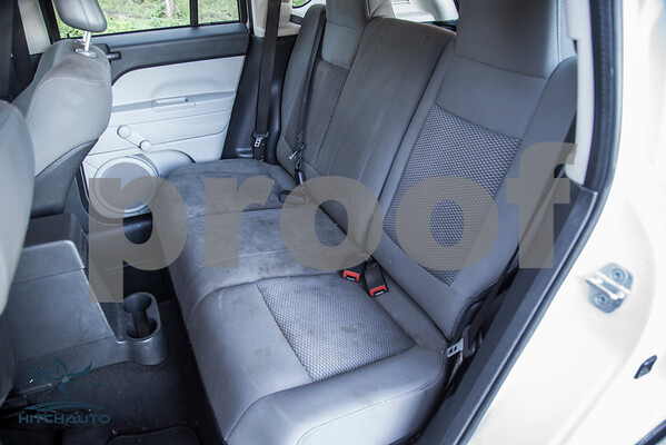 Jeep_Compass_White_5WUT913_LOGO_4000Pixel-7194
