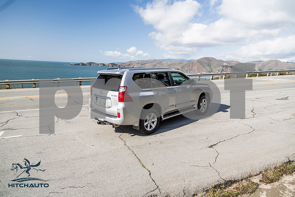 LexusGX460_Silver_7UTC493_4000pixel-7