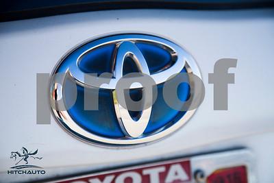ToyotaPrius_White_6RTD8_LOGO_4000Pixel-8277