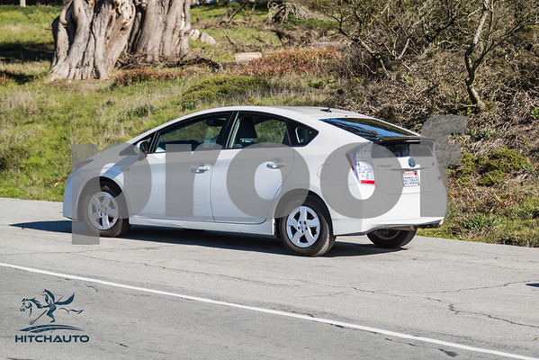 ToyotaPrius_White_6RTD8_LOGO_4000Pixel-8204