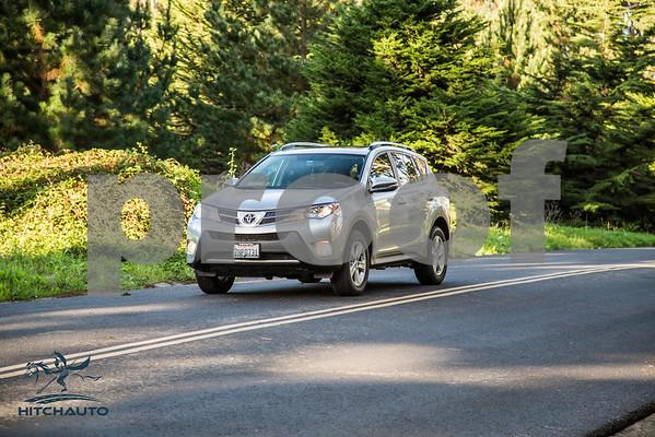 ToyotaRAV4XLE_Silver_7HPB731_4000pixel-10