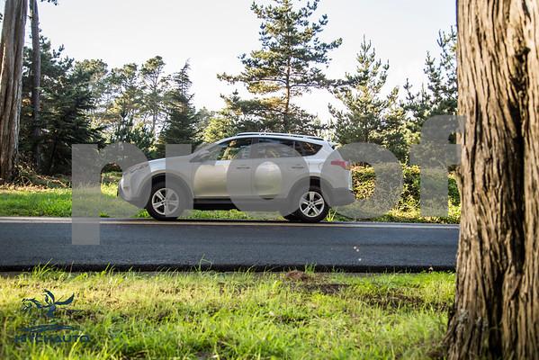 ToyotaRAV4XLE_Silver_7HPB731_4000pixel-17