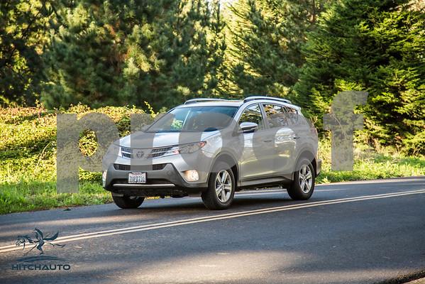 ToyotaRAV4XLE_Silver_7HPB731_4000pixel-14