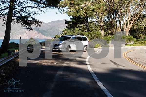 Toyota_Sienna_XLE_ White_6VJJ472_4000Pixel-7333