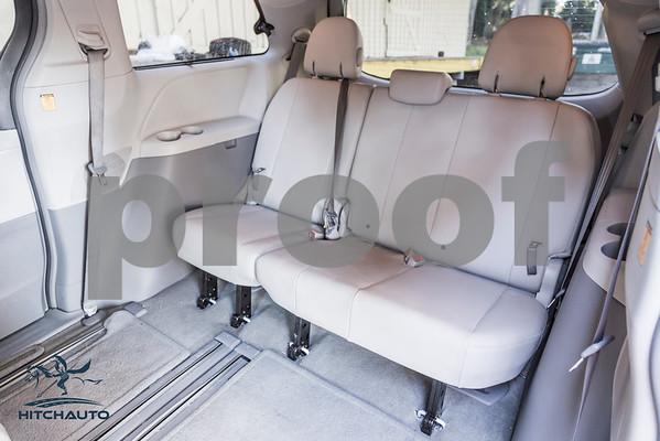 Toyota_Sienna_XLE_ White_6VJJ472_4000Pixel-7482
