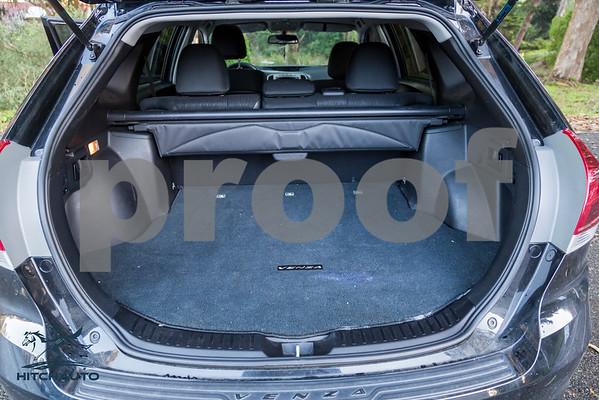 ToyotaVenzaLE_Black_7UTC490_LOGO_4000Pixel-6691