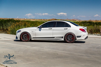 Mercedes_AMG__C63_White_7SRX097-0301