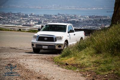 Toyota_Tundra_White_11819c1-6433