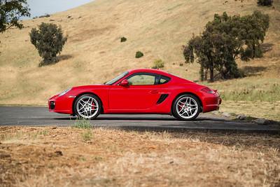 Porsche_CaymanS_Red_8CYA752--5