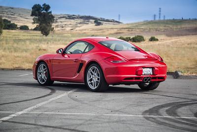 Porsche_CaymanS_Red_8CYA752--6