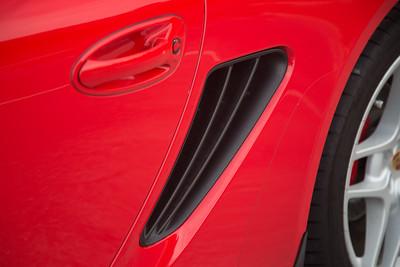 Porsche_CaymanS_Red_8CYA752-2908