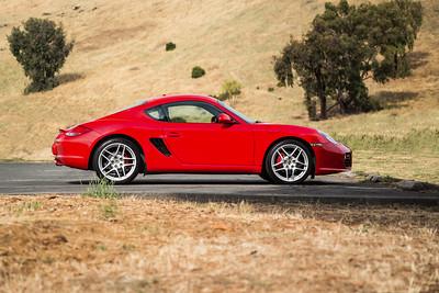 Porsche_CaymanS_Red_8CYA752--4