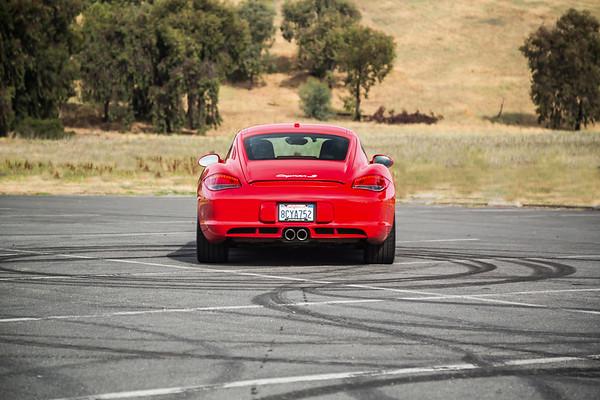 Porsche_CaymanS_Red_8CYA752--8