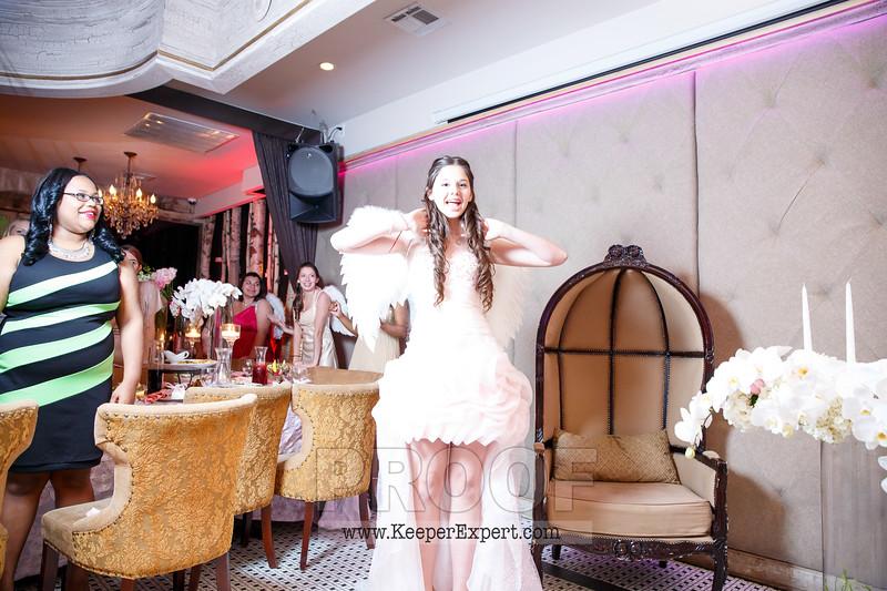 Vanessa's Sweet 16-0388