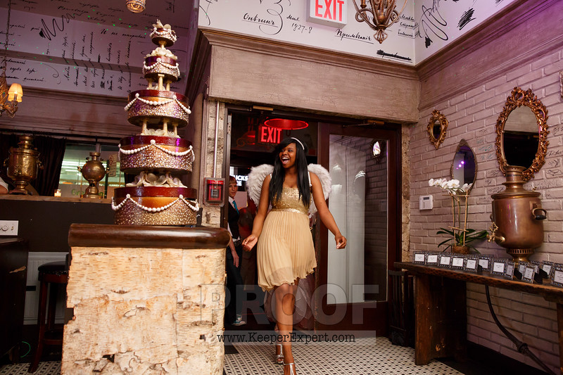 Vanessa's Sweet 16-0372