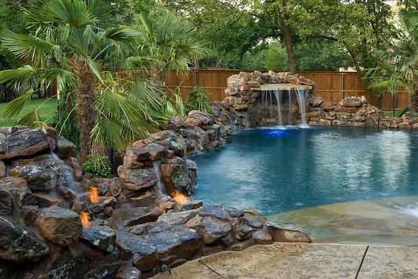 Pools & Landscape