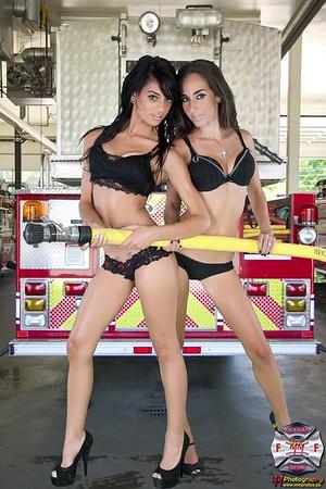 Adrianna & Erica 027mm
