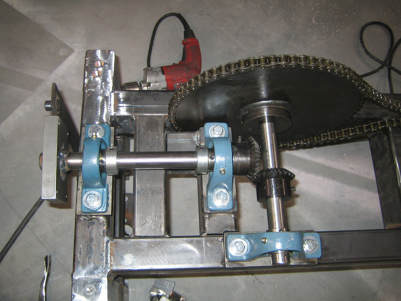 2007-01-11 10-59-26 Foot Wheel Racks