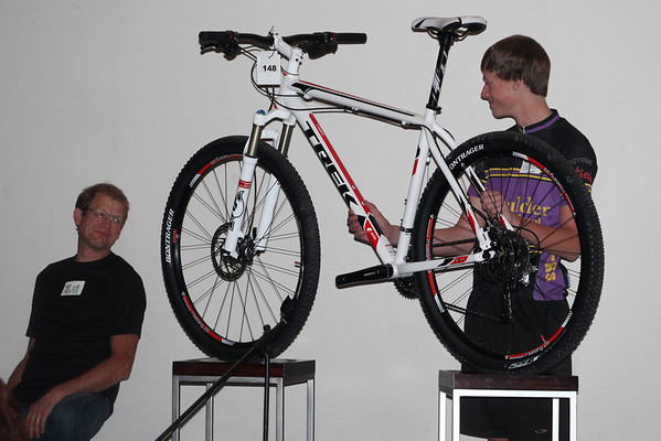 Gil McCormick, Wheat Ridge Cyclery pitches the TREK Superfly Elite 29r with help from Grant Ellwood, Boulder High. Photo Rob Noble.