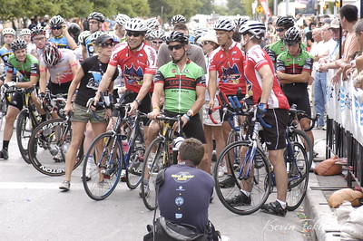KJT_2007-06-16_0714 Lizzie Horn, Governor Rick Perry, Barry Lee, and other important people in the bicycle racing community and beyond.