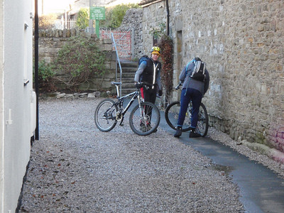 ray and steve doing some last minute adjustment of steves new bike