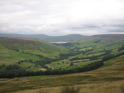 looking towards scar house res from dale edge
