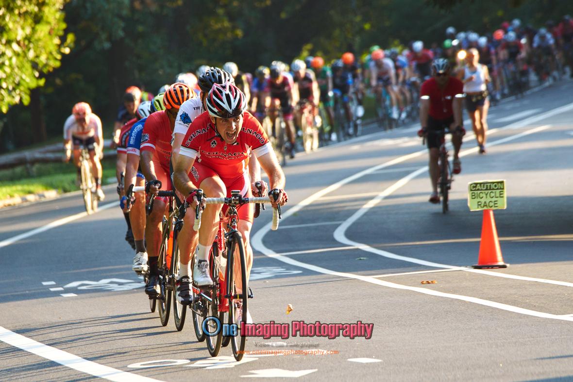 IMAGE: https://photos.smugmug.com/Cycling-Races/2016-Race-Season/Castelli-Race-Series-81316/i-qJGxLDD/0/O/castellirace081316_0335.jpg