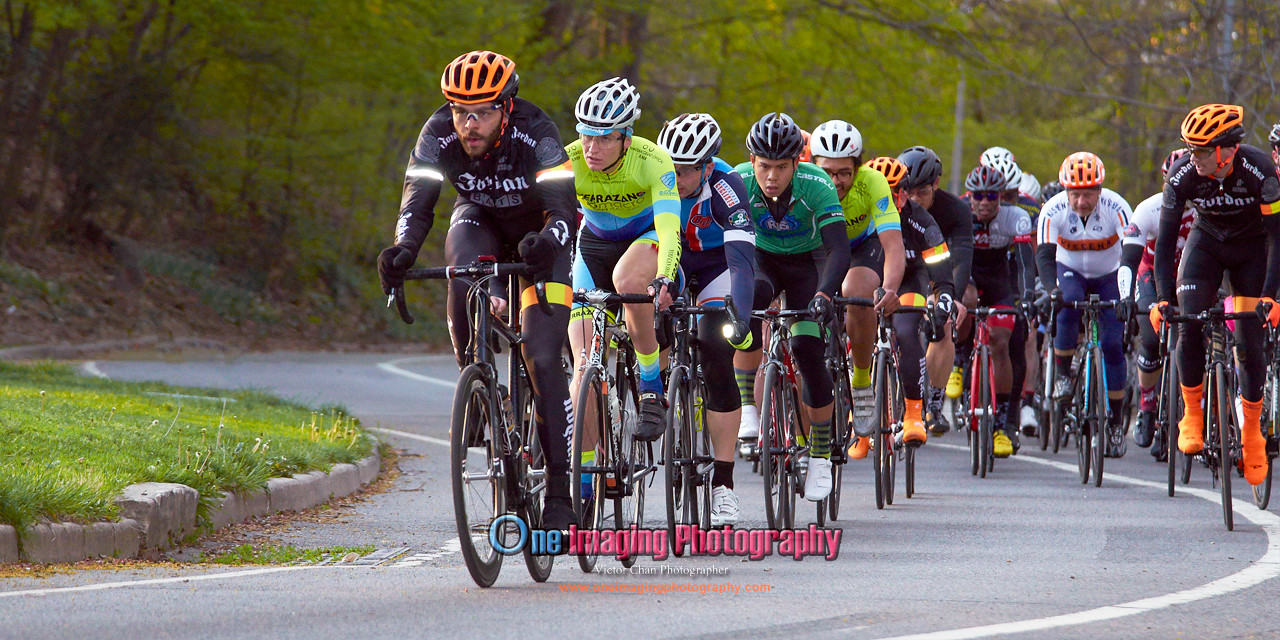 IMAGE: https://photos.smugmug.com/Cycling-Races/2016-Race-Season/Lucarelli-Castaldi-Cup-Race424/i-Px4Jw92/0/X2/LucarelliRace425_-2826-X2.jpg