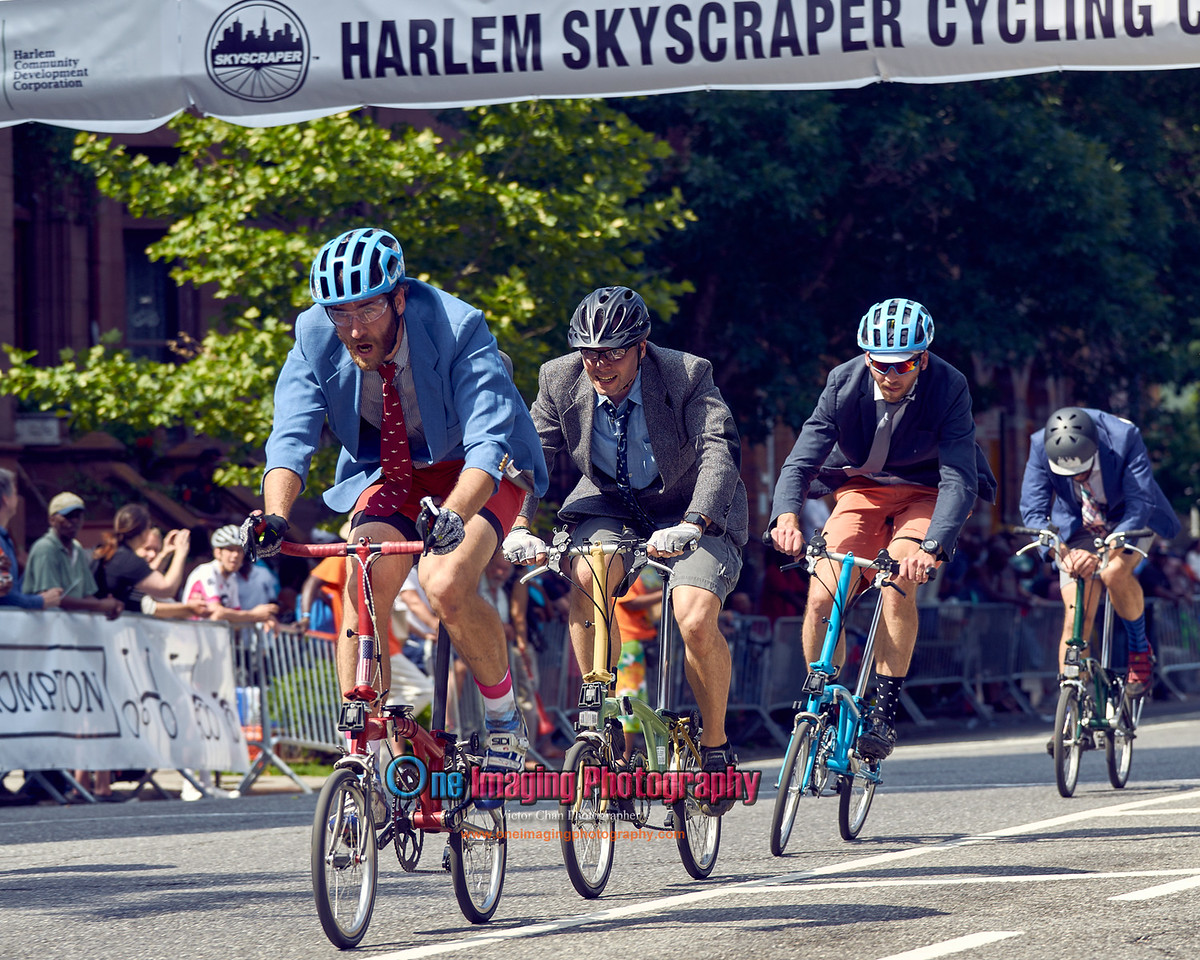 IMAGE: https://photos.smugmug.com/Cycling-Races/2017-Race-Season/Brompton-World-Championship-Harlem-Skyscraper-Cycling/i-LtNzkhL/0/a963a678/X2/harlembromptonrace61817_0_211-X2.jpg