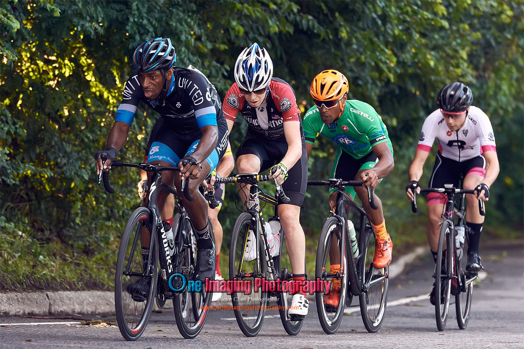 IMAGE: https://photos.smugmug.com/Cycling-Races/2017-Race-Season/Lucarelli-Castaldi-Cup-Race-Series-7817/i-s5Q6SnT/0/d15104a8/XL/lucarellicuprace7817_0385-XL.jpg