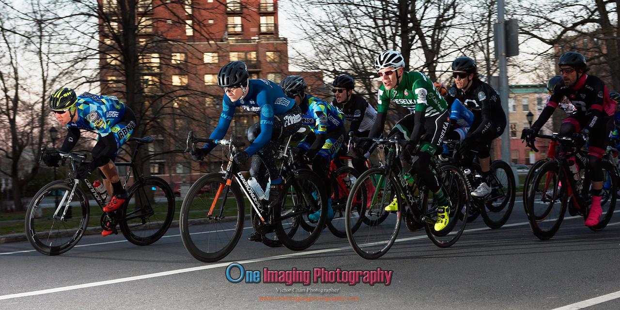 IMAGE: https://photos.smugmug.com/Cycling-Races/2018-Race-Season/Castelli-Race-Series-42218/i-5ZqWHQn/0/22dcbac0/X2/castellirace_4_22_18_0081-X2.jpg