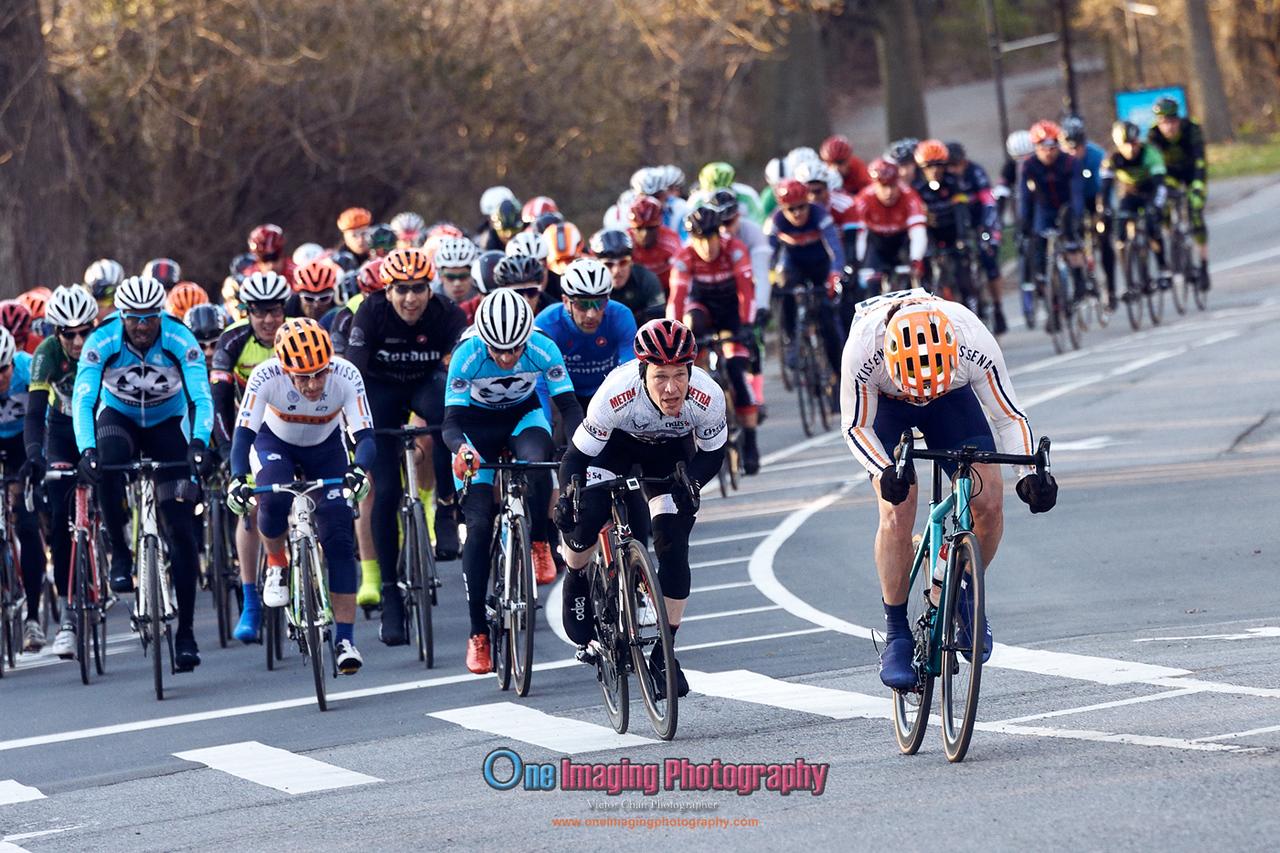 IMAGE: https://photos.smugmug.com/Cycling-Races/2018-Race-Season/Castelli-Race-Series-42218/i-nfLWscF/0/721a912c/X2/castellirace_4_22_18_0273-X2.jpg
