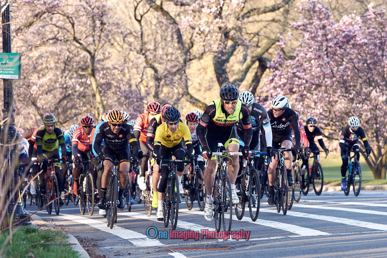 IMAGE: https://photos.smugmug.com/Cycling-Races/2018-Race-Season/Castelli-Race-Series-42218/i-zzqrPQN/0/a3f4d2ff/X2/castellirace_4_22_18_0371-X2.jpg