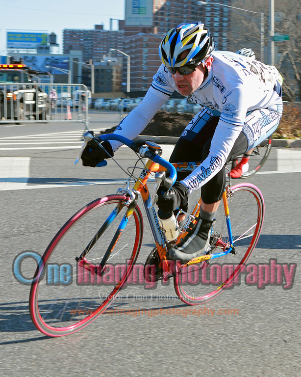 Ernesto from NYvelocity is hanging in there.  Mid race.