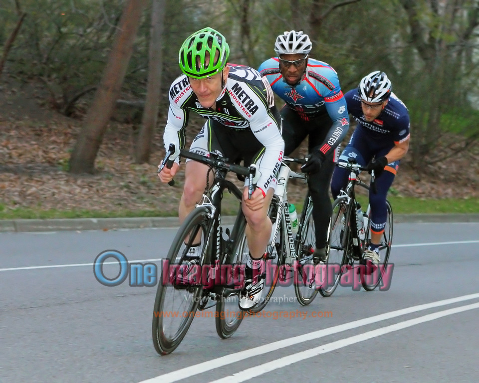 Steve with his usual initial attack on the first lap, Harlem Hill.  He flatted later in the race.