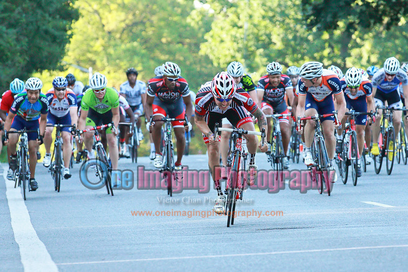 The bunch sprint.<br />  Al Toefield Memorial Road Race 7/16/11 > Cat 4