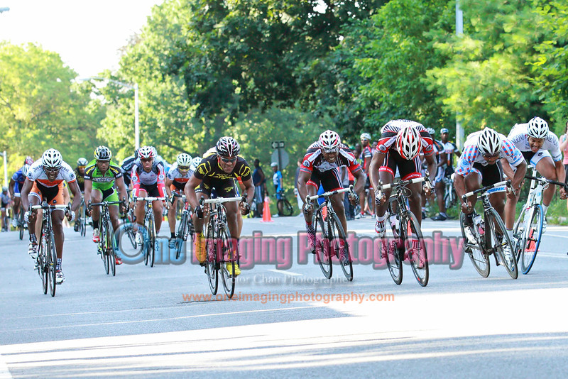 A bunch sprint finish.