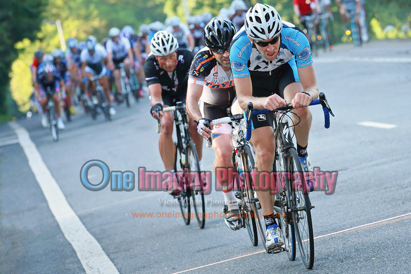 With the 2 to go, couple of riders launching a late attack.  Didn't last.<br />  Brooklyn Grand Prix 7/9/11 > Masters