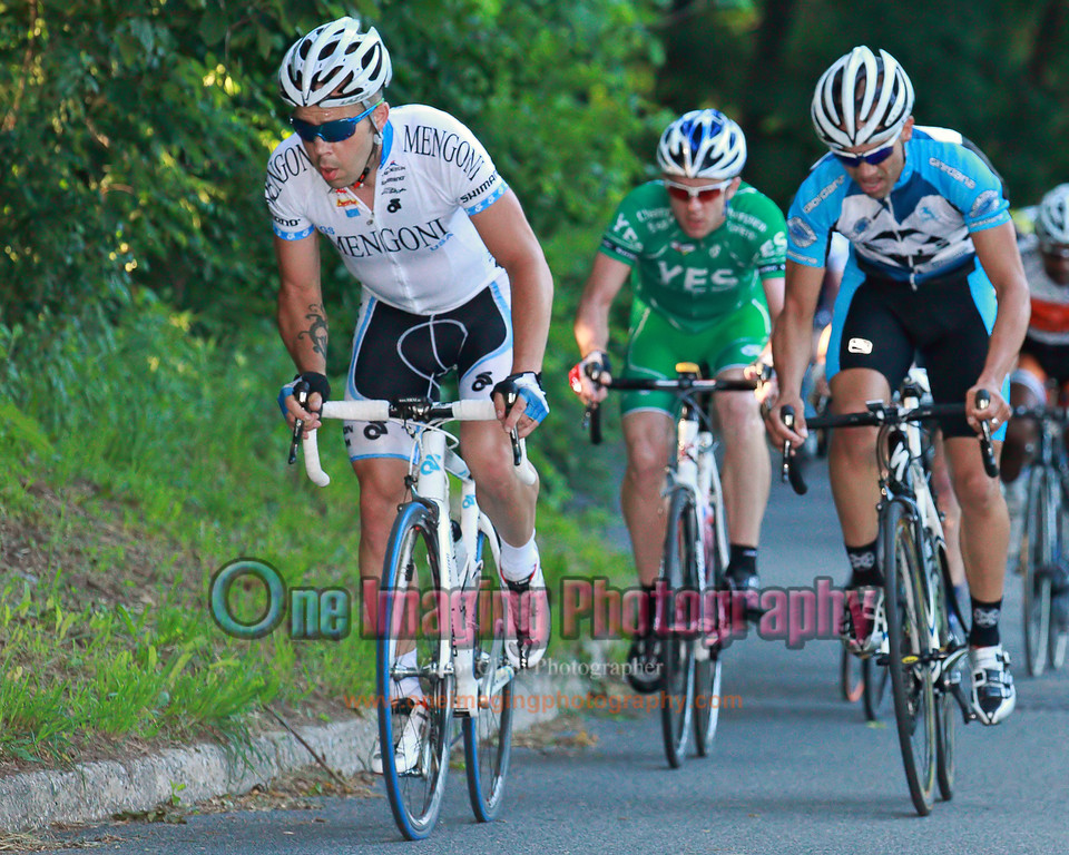 The field can't match the attack from Team Metra.<br />  Lucarelli & Castaldi Cup race 6/26/11 > Pro 123