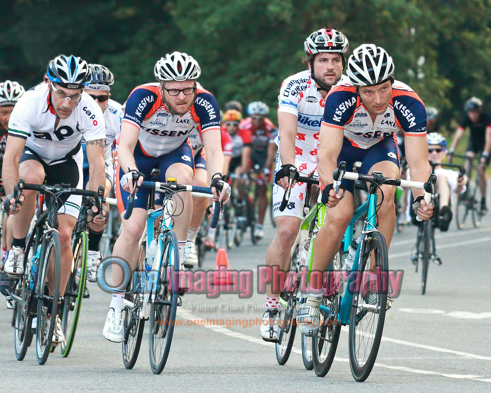 Kissena leading the charge in the first lap.<br />  Lucarelli & Castaldi Cup race 7/23/11 > Cat 4