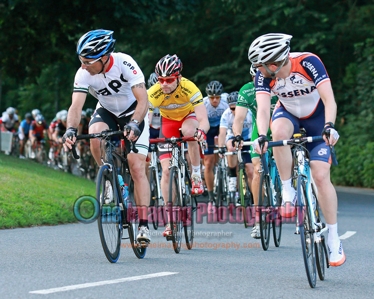 16<br /> Yellow and Green jerseys are at the front.<br />  Lucarelli & Castaldi Cup race 8/6/11 > Cat 4