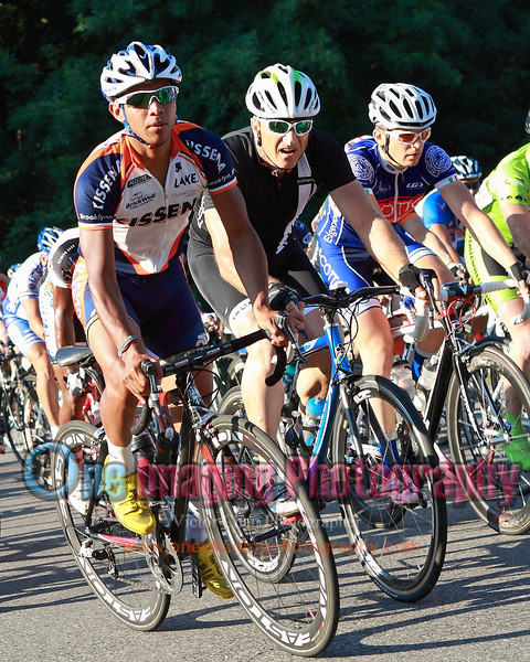 Renee from Kissena, Lance, and Benjamin from Scottos on the climb.  Lap 7.<br />  Mangoseed Restaurant-WS United Race 7/31/11 > Cat 3