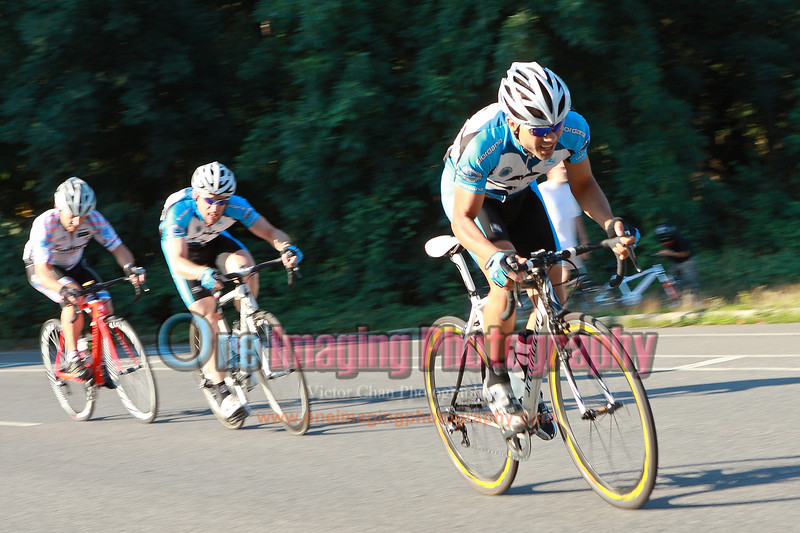 Couple of riders are following...<br />  Mangoseed Restaurant-WS United Race 7/31/11 > Masters