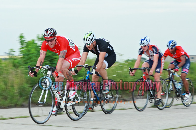 The chase group is only 20sec down from David.  Lap 8.<br />  Team United Thursday Night Race 7/28/11 > Cat 3 and 4