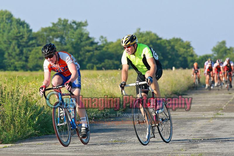 Second lap, 2 riders got a small gap.